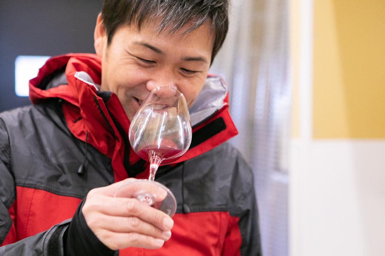 Vol.56 坂城葡萄酒醸造<br>成澤 篤人さん<br><br>地元、坂城で家族や仲間と<br>ともにつくるワイン