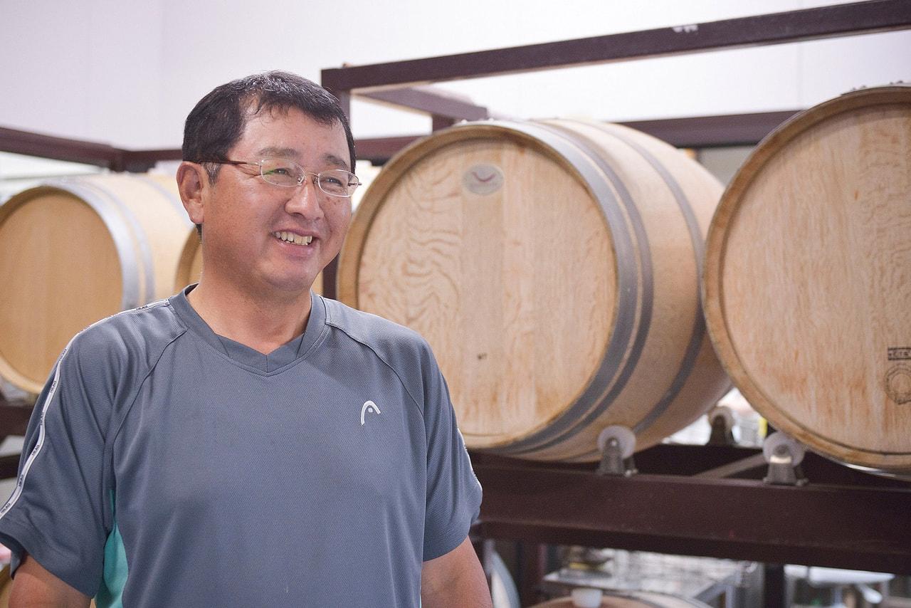 Vol.12 たかやしろファーム<br>武田 晃さん/岩波 秀之さん<br> <br>この地で飲むワインを<br>この地でつくる<br>地元で愛されるワインを