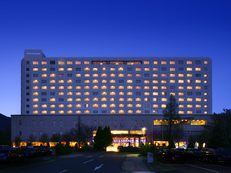 |ロイヤルホテル長野|<br>アクセスも眺望も抜群のホテルで<br>和洋中のコース料理とワインを楽しむ