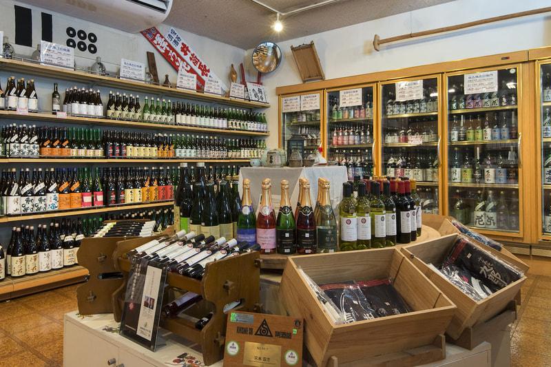 |地酒屋 宮島酒店|<br>長野県産の「地酒」に特化<br>お客様と対話して、ときめきを引き出す